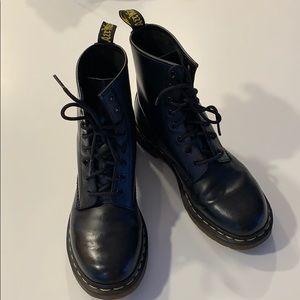 Dr. martens combat boot size 9